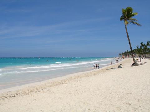 playa-punta-cana.jpg